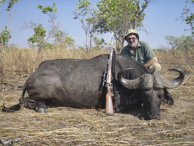 Mr Dave Manley Australia And Cape Buffalo Taken With Whitworth Express 458 Win Mag And Woodleigh 458 480gr Full Metal Jacket Bullet
